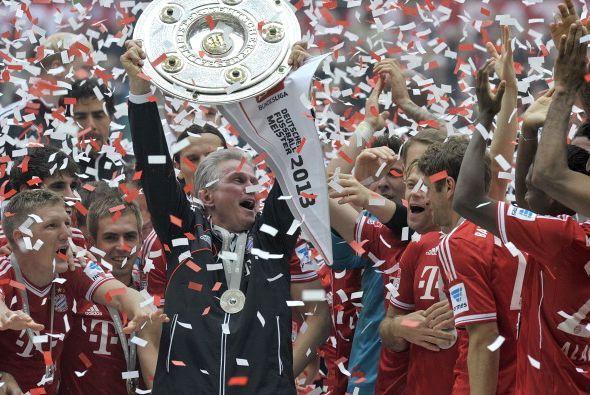 Así en la manos de Jupp Heynckes el Bayern recibió el escudo.