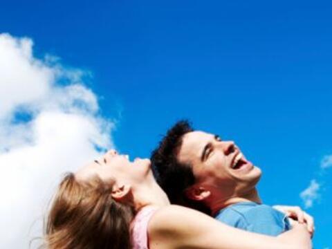 En todo momento enfatiza su personalidad y celebra sus buenas cualidades...