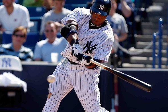Segunda base, el dominicano de los Yankees, Robinson Canó, empuj&...
