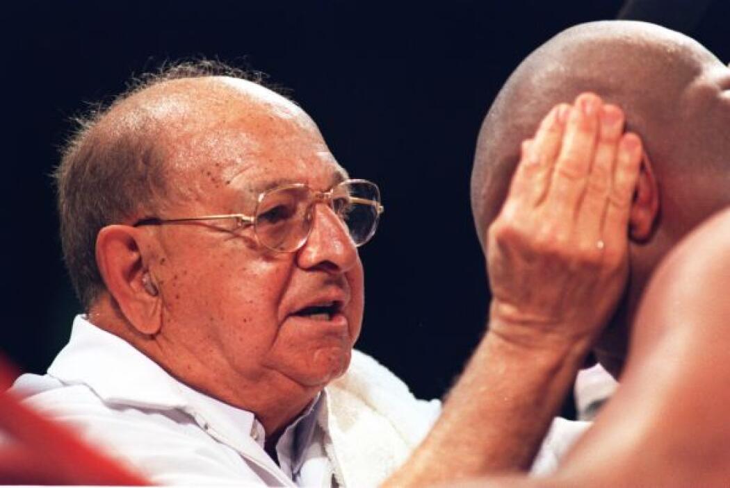 1 de febrero. Angelo Dundee, 90 años. Entrenador de Muhamed Alí y Sugar...