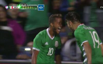Goooolll!! Oribe Peralta mete el balón y marca para México