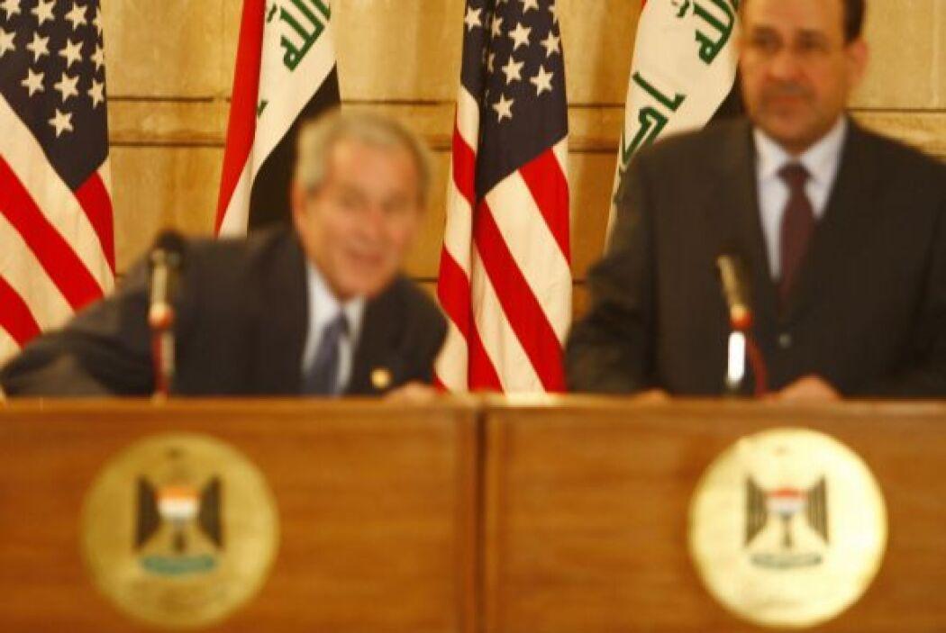 Año 2008  30. Recibe zapatazo George Bush  Un acuerdo de seguridad de pa...