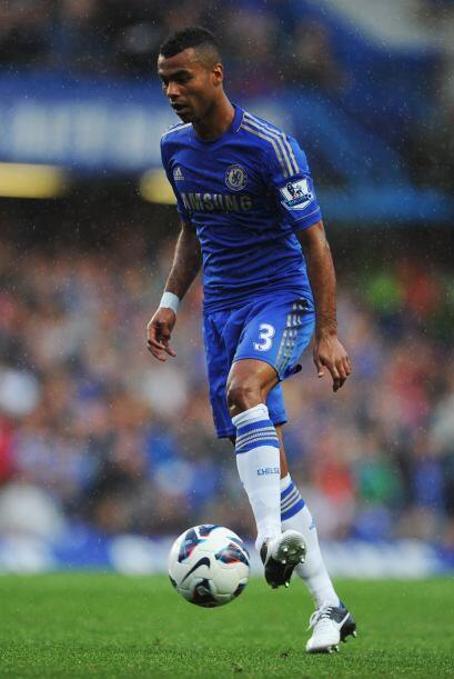 Defensa, Ashley Cole: El veterano lateral del Chelsea de nuevo llam&oacu...