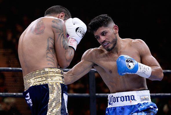 La pelea llegó a los 10 rounds y los jueces la calificaron: 96-93, 98-91...