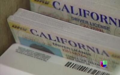 Inmigrantes indocumentados podrán conducir en California