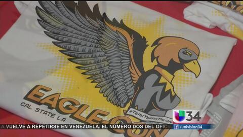 Estudiantes de Los Angeles derriban barreras con exhibición de cómics