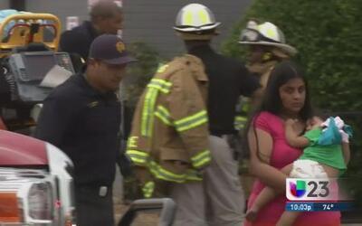 Adolescente rescata a su hermanita de 18 meses de edad de un incendio