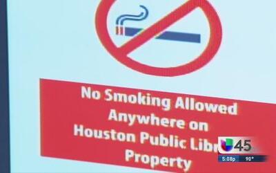 Prohiben fumar en parques y bibliotecas