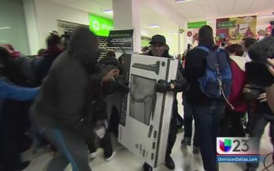 Black Friday desata locura en Dallas
