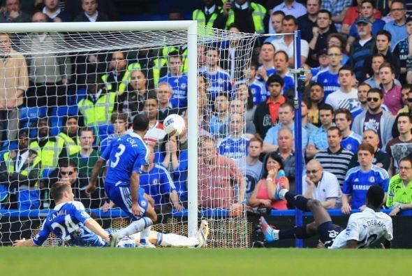 Impresionante salvada por parte del defensa del Chelsea.