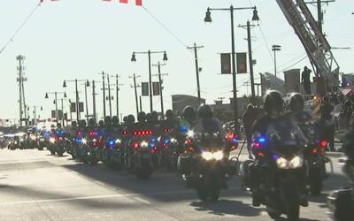 Con una procesión, inician las honras fúnebres del oficial Jerry Walker