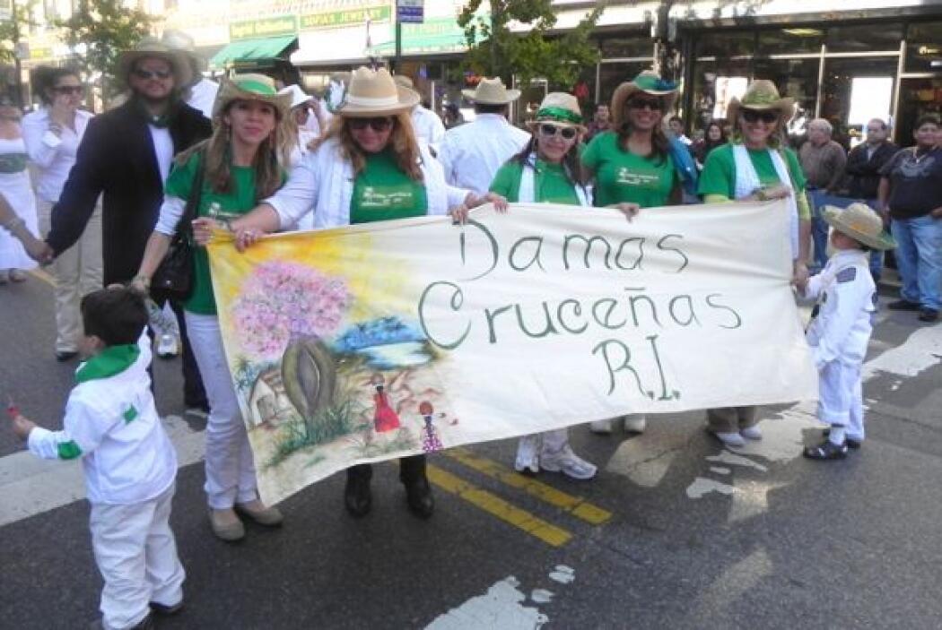 Primer desfile Boliviano de Nueva York c8951c4721c74b4c9af17041eb2e72e4.jpg