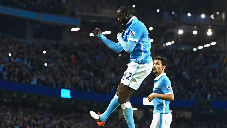 Yaya Touré festejando un gol con Manchester City