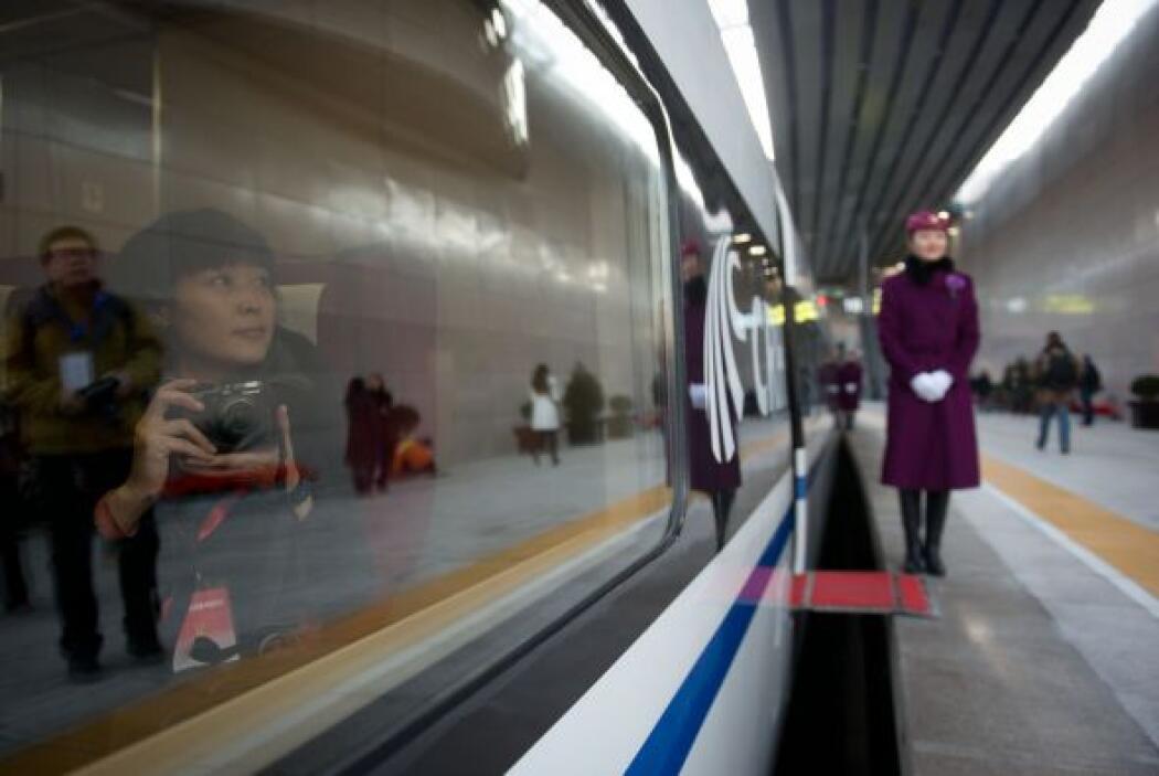 El gobierno planea construir una red ferroviaria de alta velocidad con c...