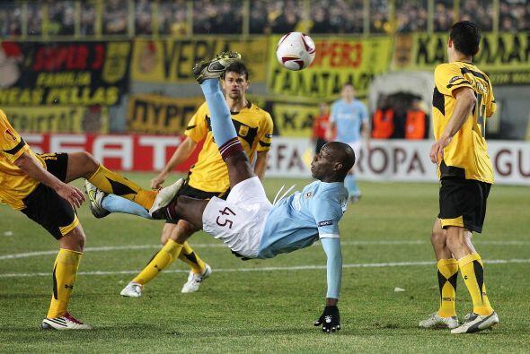 Algunos jugadores como Mario Balotelli, que entró en el segundo tiempo,...