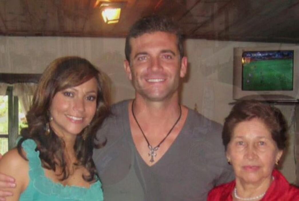 Aaron conquistó a Satcha y también a su suegra, la señora Liz Padilla.