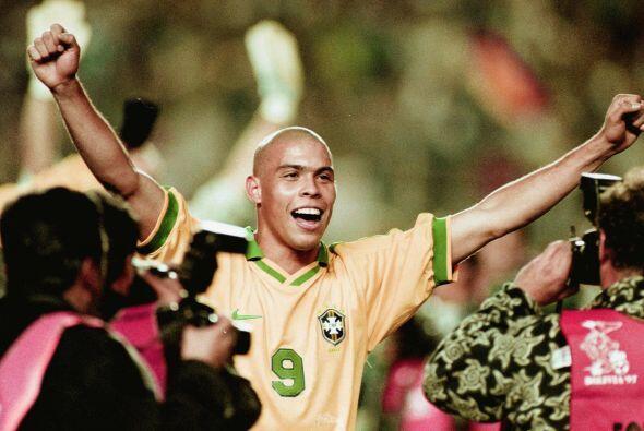 En su momento Ronaldo era deseado por todos y le dijo que sí a algunos c...