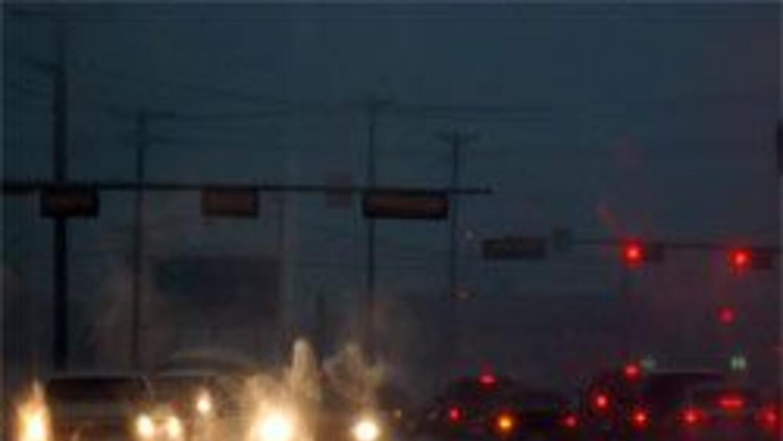 Alex tocó tierra y provoca inundaciones y tornados al sur de Texas. 19b6...