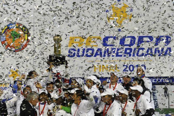 En este compacto de los campeones de Sudamérica no podía f...