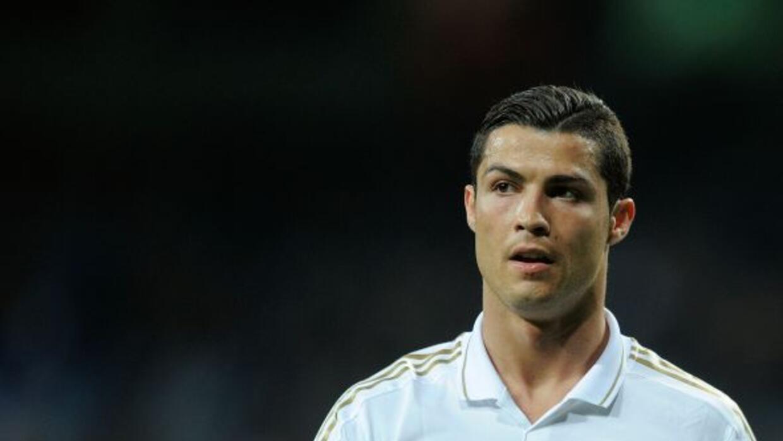 CRISTIANO RONALDO- El atacante del Real Madrid recibió como paga anual u...