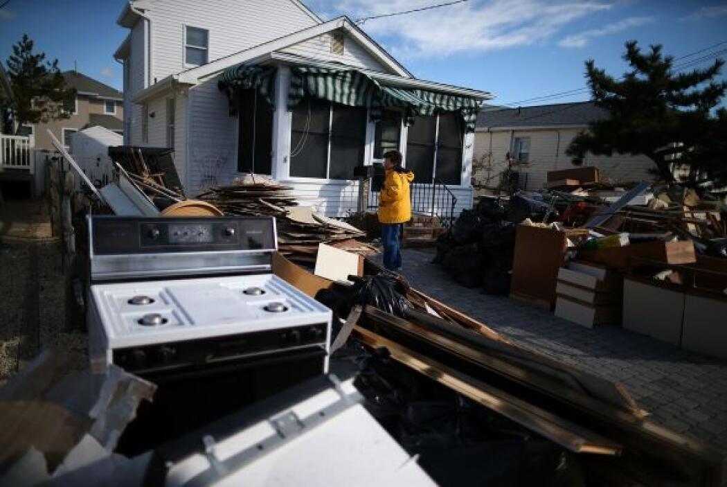 El huracán Sandy causó fuertes vientos y tormentas que provocaron grande...