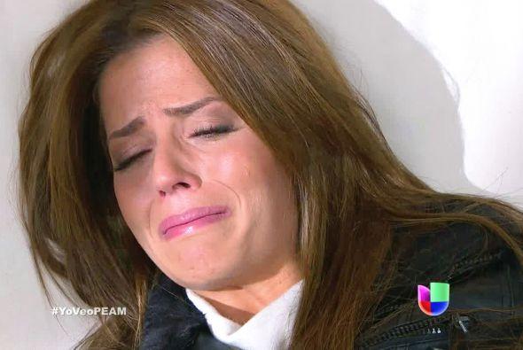 Verónica está muy deprimida, aún le duele que Jesús la haya rechazado.