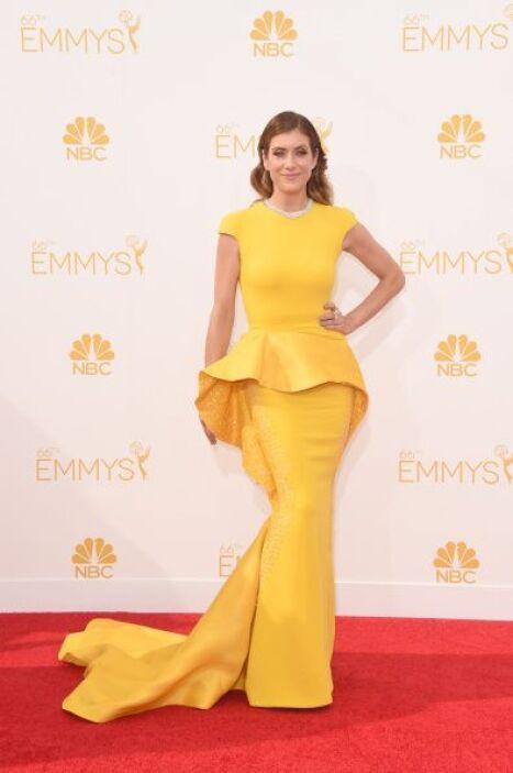 ¡Qué lástima que la belleza de Kate Walsh se vio opaca por ese modelito!