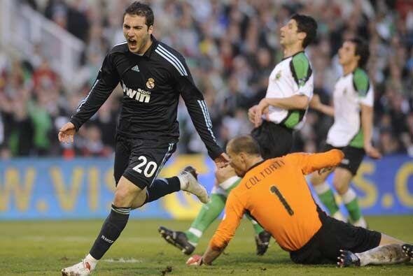 Cristiano Ronaldo, de penalti, y Gonzalo Higuaín marcaron para que el Ma...