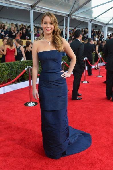 En los SAG Awards, Jennifer lució bella con este 'fourreau' palab...