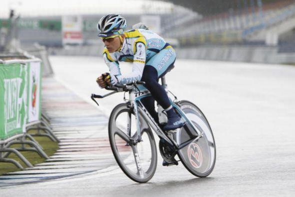 En el 2003 Alexander Vinokourov fue tercero siguiendo a Armstrong y Urll...