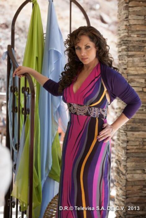 Por el premio de Mejor actriz co-estelar se encuentra Cecilia Gabriela....