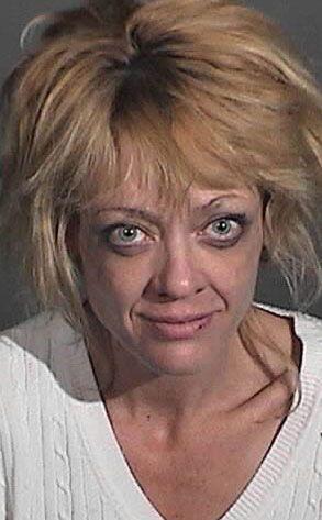 Lisa fue arrestada en par de ocasiones por manejar intoxicada y pelearse...