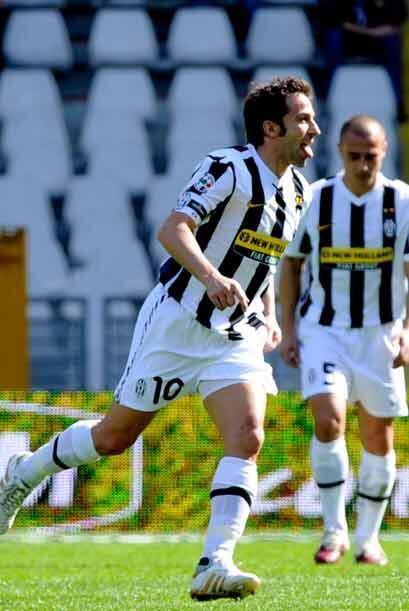 Un excelente cobro de tiro libre por parte de Alessandro Del Piero signi...