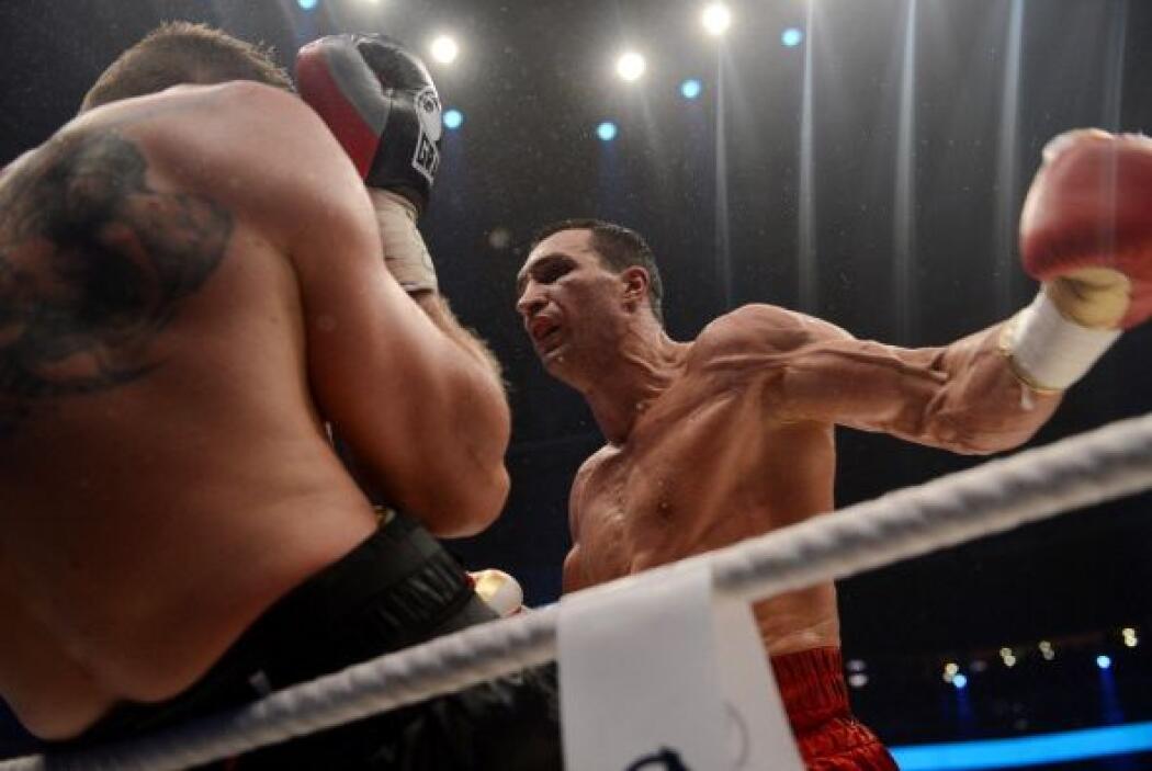 La pelea fue de una sola vía. Klitschko dominó de principio a fin.