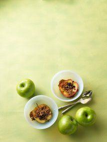 Manzanas al horno con granola: A la clásica receta de manzanas al horno...