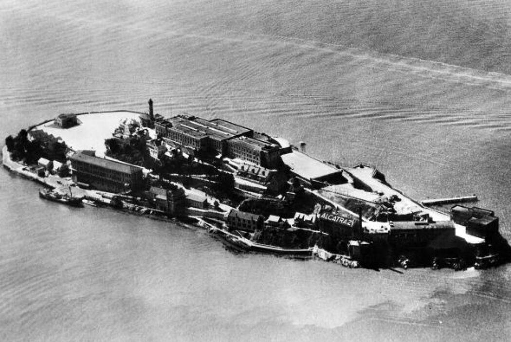 La isla de Alcatraz cumple 50 años desde que dejó ser una prisión milita...