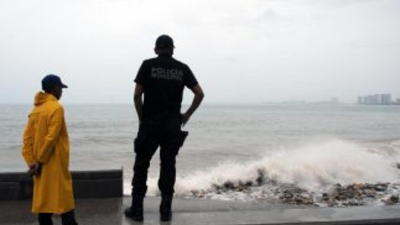 """La tormenta """"Dalila"""" pone en """"alerta amarilla"""" el oeste de México."""