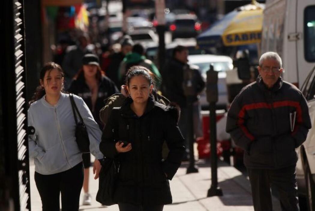 Más de un tercio (35 por ciento) de los latinos elegibles y sin seguro n...