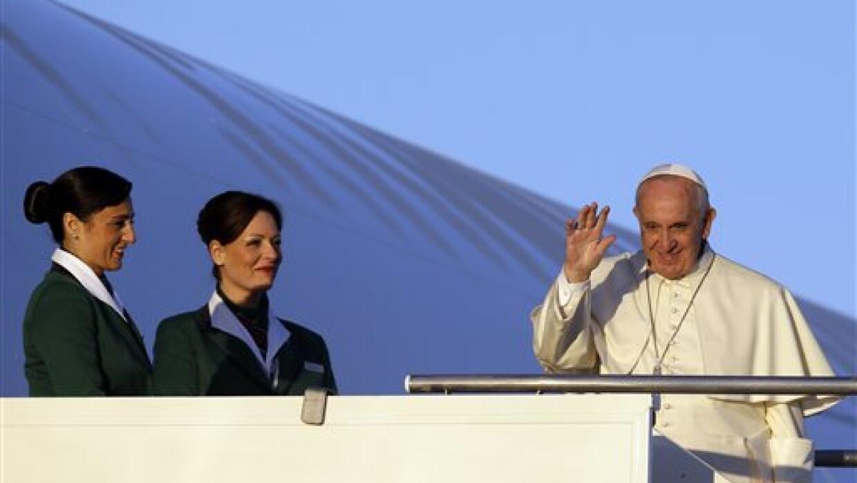 El  papa Francisco llega a Nairobi.
