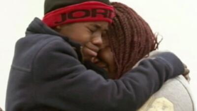 Niño aparece después de 4 años de estar encerrado en una pared falsa