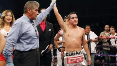 Edgar Sosa sin problemas venció a Omar Salado (Foto: Zanfer)