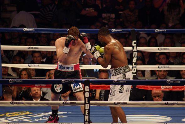 Alvarez tiraba menos golpes, pero con más precisión y potencia.