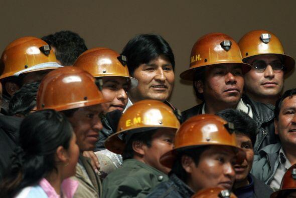 JULIO DE 2007- El presidente Evo Morales firmó un decreto en el que dete...