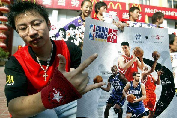 Yao Ming no sólo logró el reconocimiento internacional, si...