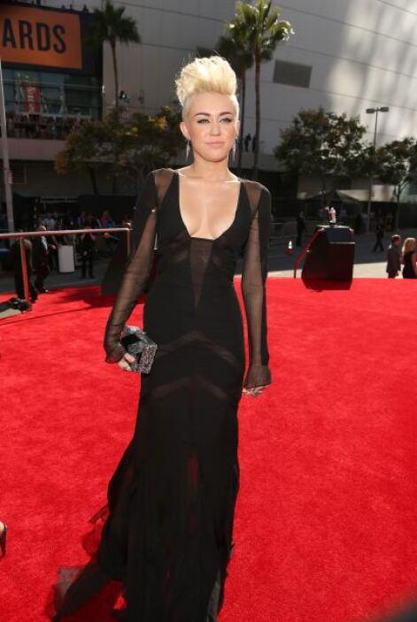 Tenemos que reconocer que Miley sabe muy bien cómo sacarle provecho a ca...