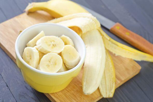 Plátano El potasio que aporta el plátano ayuda directament...