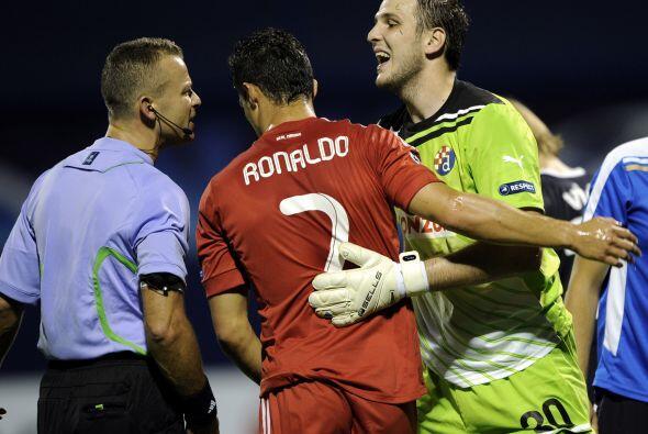 Cristiano Ronaldo buscó su gol pero el portero rival estuvo muy s...