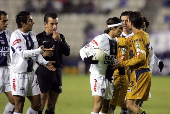 Pumas y Pachuca tienen un breve historial en postemporada, pero de ningu...