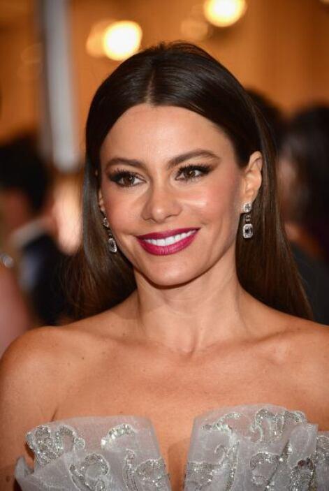Para llamar la atención a su brillante sonrisa, Sofía nunca duda en usar...