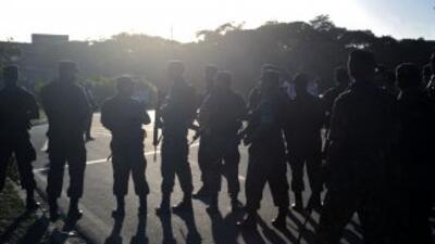 El operativo terminó con el retiro del ministro de Defensa, mientras la...